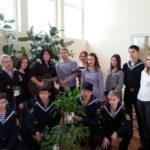 воспитанники театральной студии «Черная жемчужина» и вокально-инструментальной группы «Фарватер»