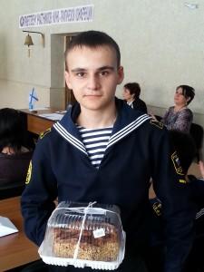 Приз зрительского признания в руках Антона Кузьменко